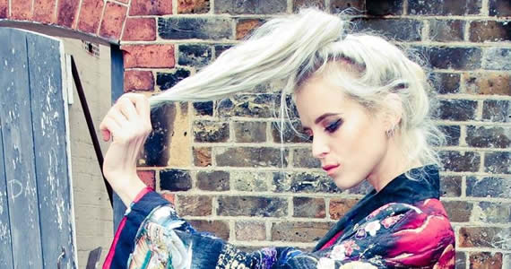New Music: Kyla La Grange – Violet Blue